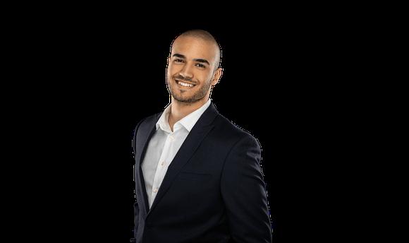 Abdala Algrahi - Real Estate Agent - Headshot